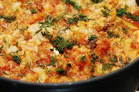 Conopidă gratinată cu sos de tomate şi pui cu mango