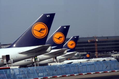 Două treimi dintre cursele aeriene ale companiei Luftansa vor fi anulate vineri
