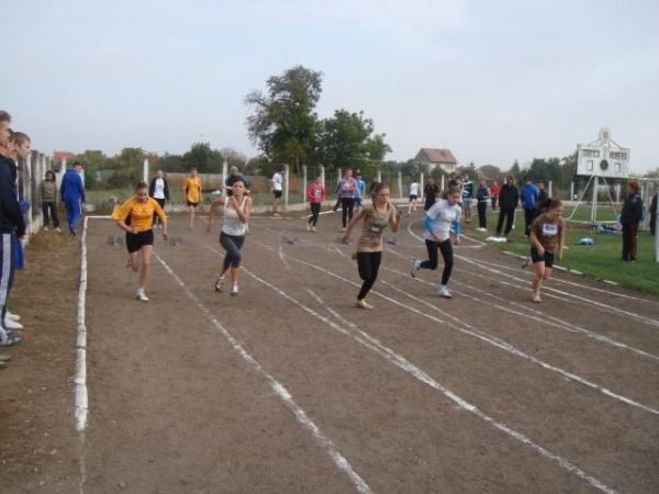 Se amână desfășurarea Cupei 25 Octombrie Carei la atletism