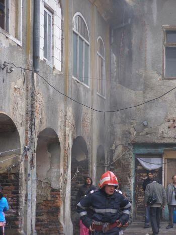 Incendiu pe strada Doina din Carei