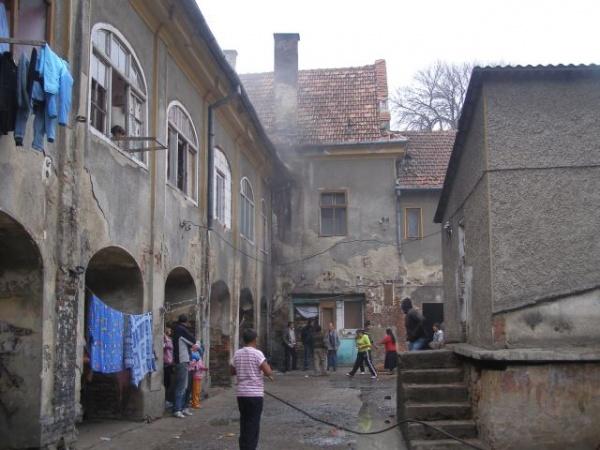 România plătește chiria și utilitățile pentru 550 de refugiați. Cine beneficiaza la Carei de scutiri