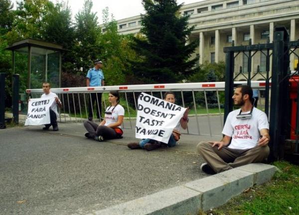 Proteste la Guvern împotriva mineritului cu cianuri