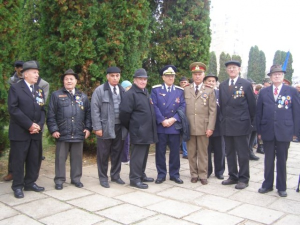 Veteranii-file vii de istorie