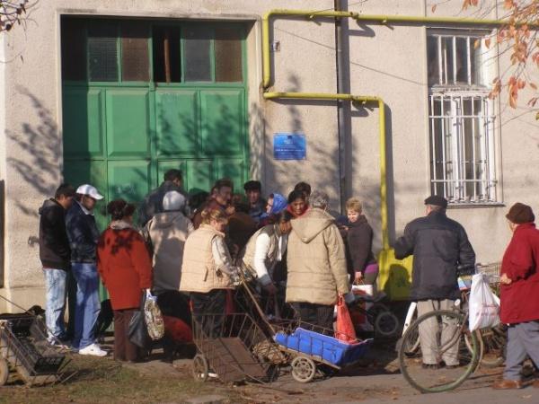 Se distribuie ajutoarele sociale de la UE