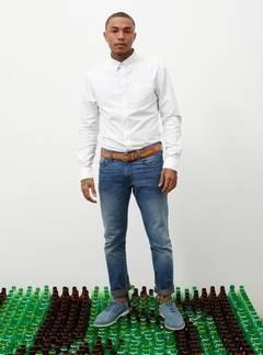 Blugi din peturi reciclate