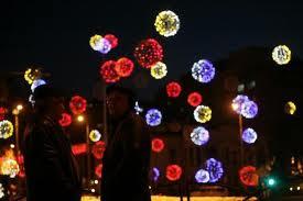 Aprinderea luminilor ornamentale
