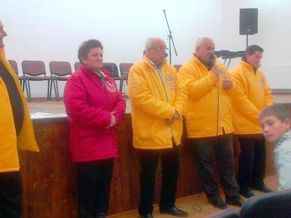 Candidatul USL Viorel Buda de vorbă cu locuitorii din Andrid
