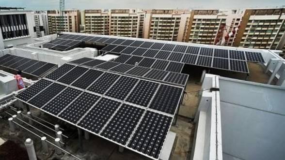 Panouri fotovoltaice la bloc: Merită investiţia?