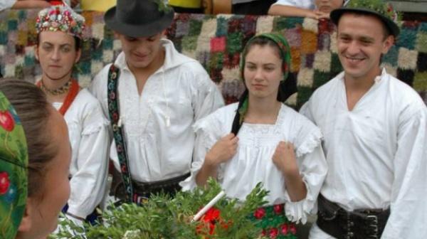 Dragobetele, sărbătoarea iubirii la români: Cele mai frumoase tradiţii şi obiceiuri