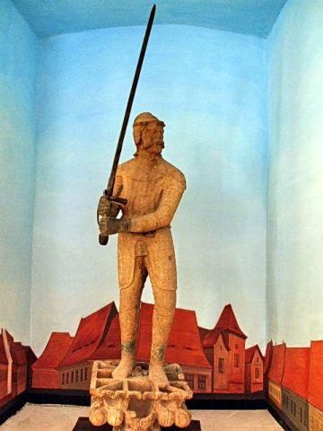 Din 4 aprilie,la Carei,Arme medievale transilvănene. Colecţia de Arme şi Armuri a oraşului Sibiu