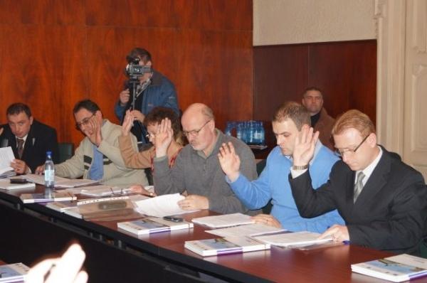 Consilierii locali faţă în faţă cu bugetul pe 2013