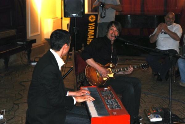 Concert de jazz cu bis