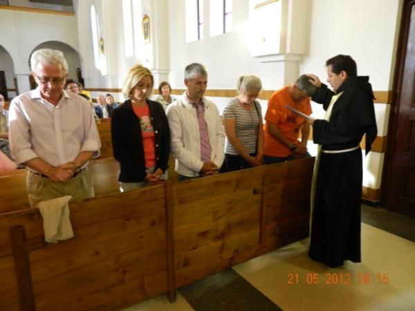 Primele Comunităţi Familiale de Evanghelizare la Mănăstirea Franciscană ,,Maica Domnului'' din Oradea