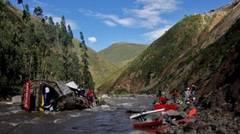 Autocar cu români, prăbuşit într-o prăpastie în Muntenegru: 16 morţi