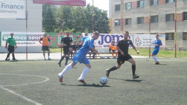 Un nou record la minifotbal