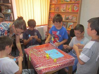 Voluntari la Bibliovacanţa  2013  Carei