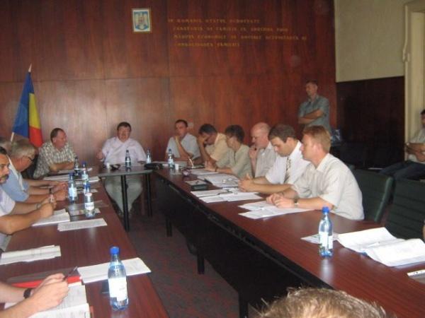 """Consilierii UDMR  """"împrumută""""  propunerile opoziţiei"""