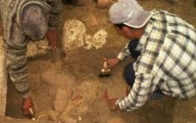 Pandantiv din piatră vechi de peste 20.000 de ani, descoperit de arheologi