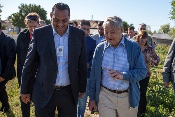 Miliardarul George Soros aplică planul ..Rromania