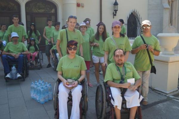 Scutiri de impozit pentru activităţi ale persoanelor cu handicap