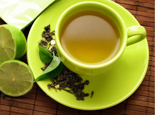 Ceaiul negru şi sucul de portocale scad riscul de cancer ovarian