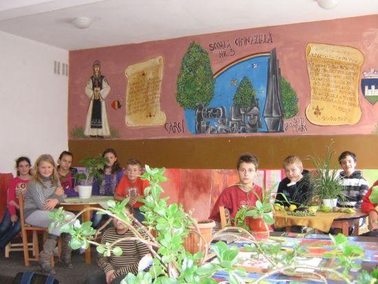Picturi murale la Şcoala Gimnazială nr. 3
