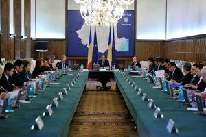 Guvernul mărește impozitele și îi pune pe români să lucreze gratis pentru ANAF
