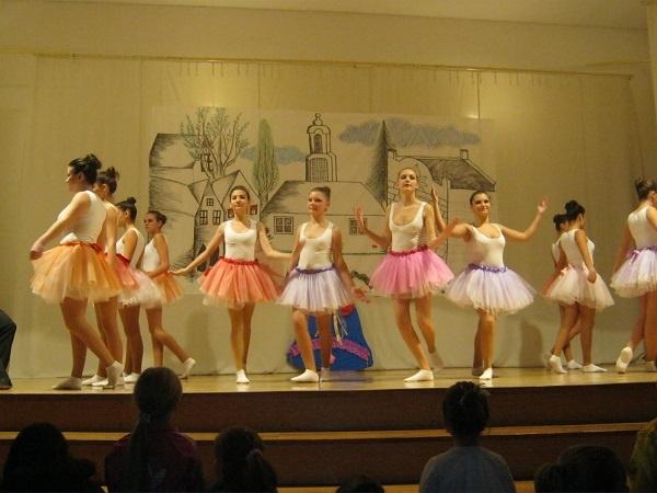 Seară de balet la Clubul Elevilor