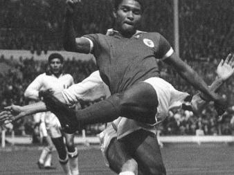 """A murit """"Perla neagră"""", al doilea mare fotbalist al tuturor timpurilor"""