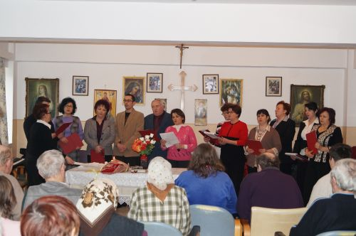 Un dar muzical de Ziua Bolnavului la Centrul de Asistenţă socială Carei