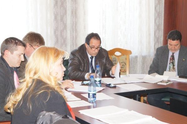 Consilierii locali finanţează alfabetizarea rromilor