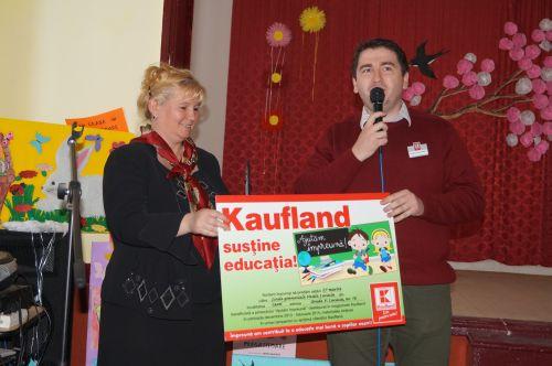 Donaţii generoase şi binevenite pentru Şcoala Vasile Lucaciu