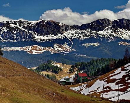Turism rural la 1.360 m înălţime.Panoramă unică în România