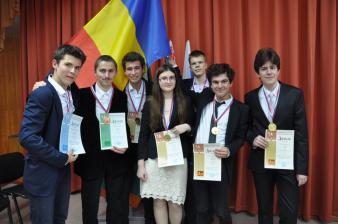 România, cinci medalii de aur şi locul I pe echipe la Olimpiada Internaţională de Chimie