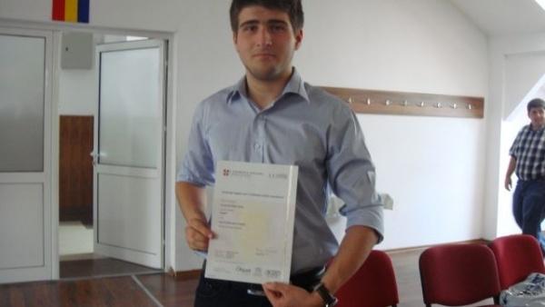 Valentin Bara de la Liceul Teoretic se califică la etapa naţională a sesiunii de referate și comunicări științifice