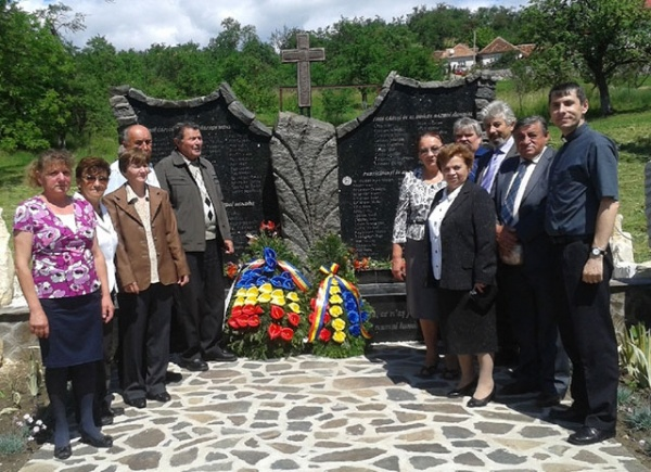 Ziua Eroilor, marcată la Ip şi Bădăcin