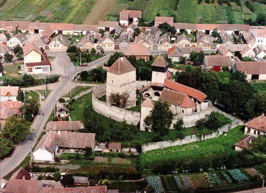 Destinaţii de vacanţă: Cetatea Câlnic
