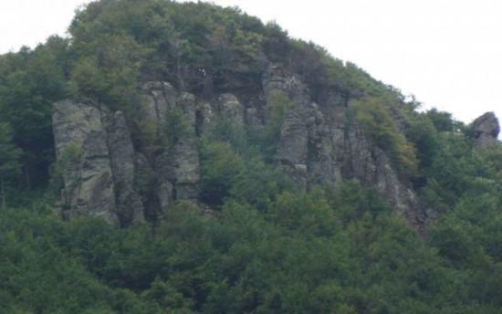 Sfinxul Oaşului.Traseul montan pe care regăseşti România pură