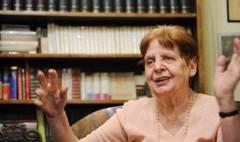 Fiica lui Lucian Blaga îi scrie lui Ponta: Sunteţi prea tânăr ca să ştiţi că a murit ca scriitor interzis