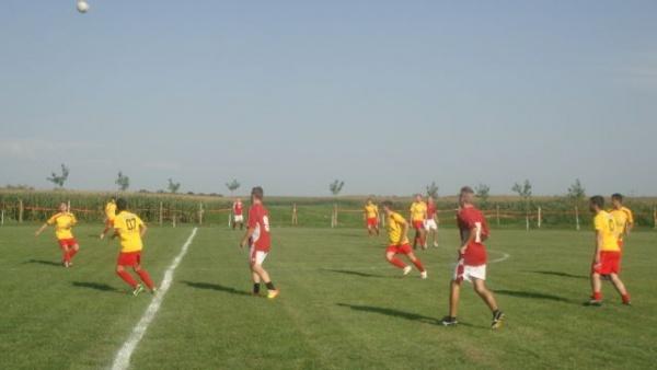 Meci amical Platanul Marna- Recolta Sanislău
