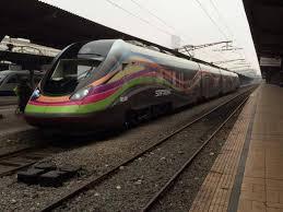 Primul tren electric fabricat în România circulă pe ruta Bucureşti – Constanţa