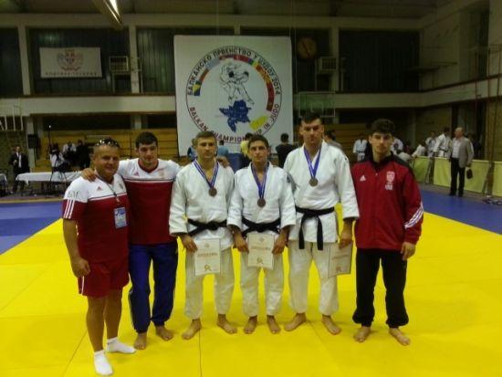 Echipa de judo a României, având în componență sportivi de la CSM Satu Mare, a cucerit titlul balcanic la judo seniori