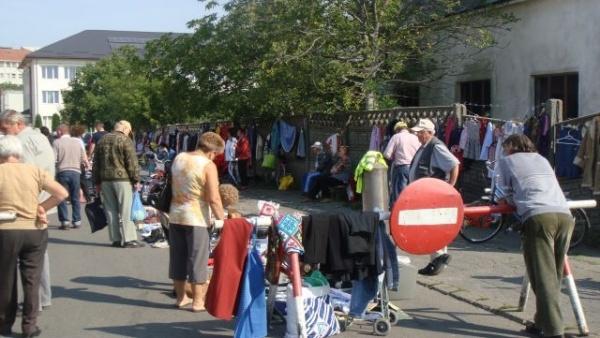 Condiţii de mizerie în jurul singurei pieţe agroalimentare din Carei