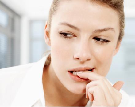Îţi place să-ţi rozi unghiile? Acest obicei poate fi benefic