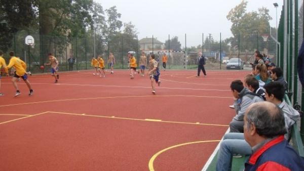 Cursuri de handbal în parc