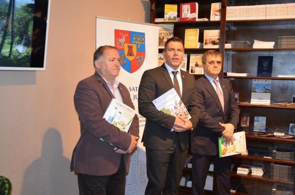 """Ghid despre """"bogătiile Sătmarului"""" – lansat pentru a promova județul"""