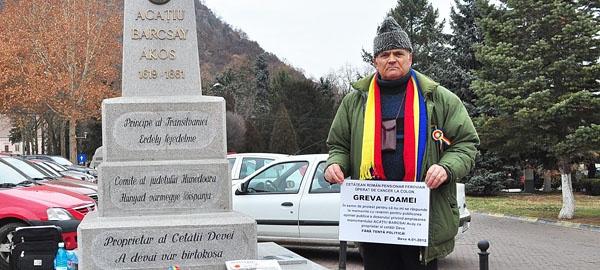 """IREVOCABIL. Primăria demolează obeliscul """"plantat"""" nelegal de Attila Dezsi şi Kelemen Hunor în Deva"""