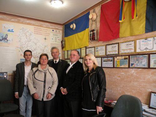 Se intensifică relațiile cu românii din Ucraina