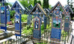 """""""Drumul Lung spre Cimitirul Vesel"""" – Festivalul Intercultural de Tradiție Maramureșeană  de la Săpânța"""