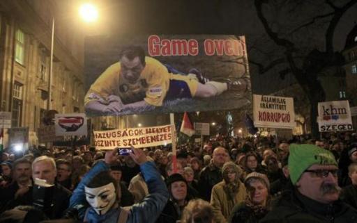 Protest la Budapesta: Mii de persoane denunţă regimul condus de Viktor Orban
